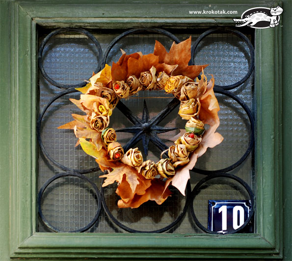 A Wreath of Autumn Roses