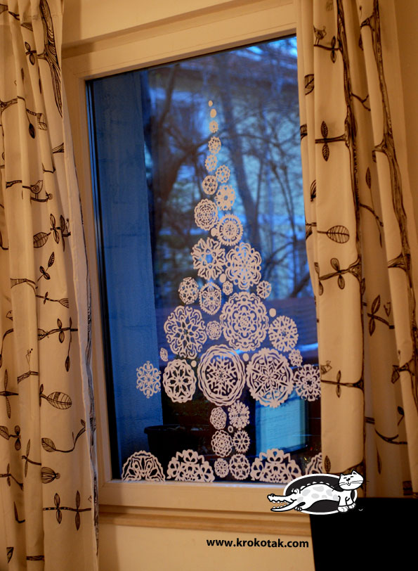 Krokotak paper snowflakes fir tree for the window - Addobbi natalizi per le finestre ...