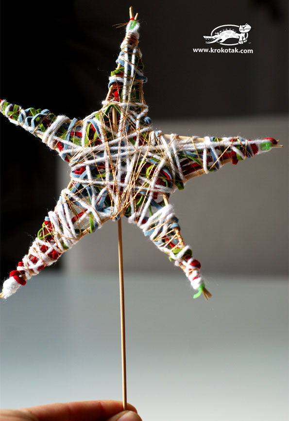 Stars from looms, wooden sticks and thread