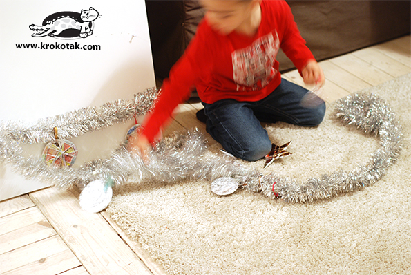 Christmas toys from aluminium foil